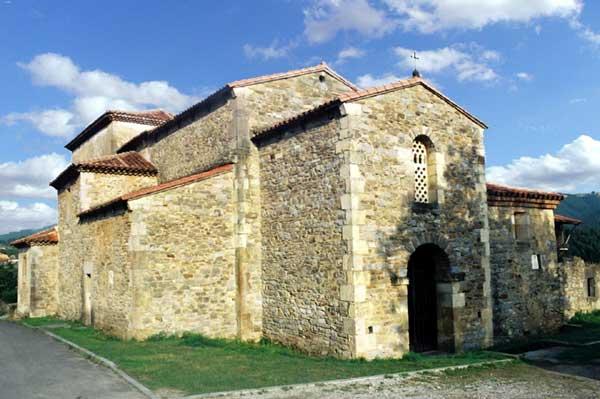 Santianes de Pravia: l'église San Juan. 774-783