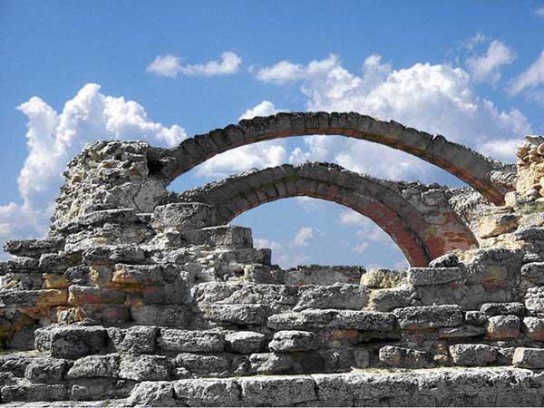 Reccopolis (Cerro de la Oliva, province de Guadalajara): vestiges de l'église