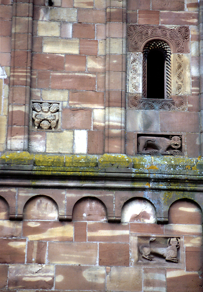 Marmoutier, l'abbatiale: détails de la façade