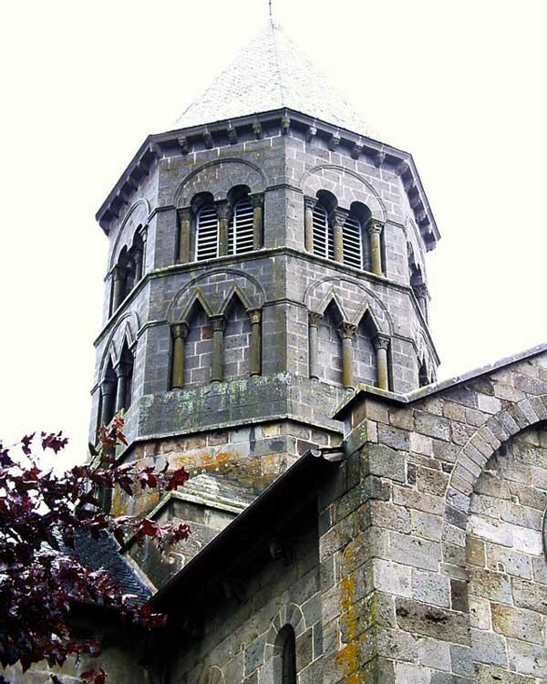 Mauriac (Cantal), Notre Dame des Miracles. Tour de croisée
