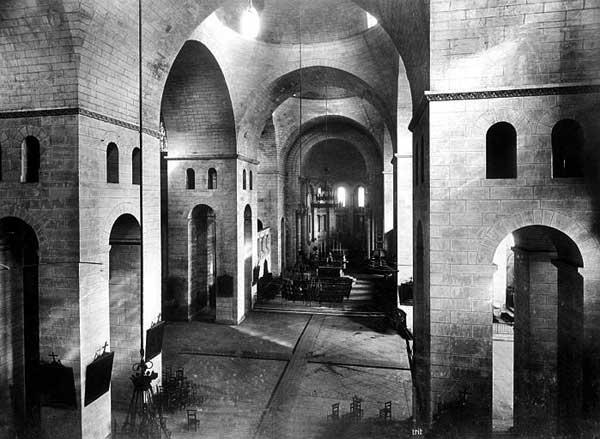 Périgueux (Dordogne): cathédrale saint Front: la nef