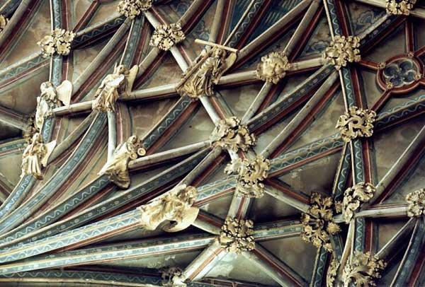 Gloucester: cathédrale saint Pierre et sainte Trinité. La voûte du Chœur, détail