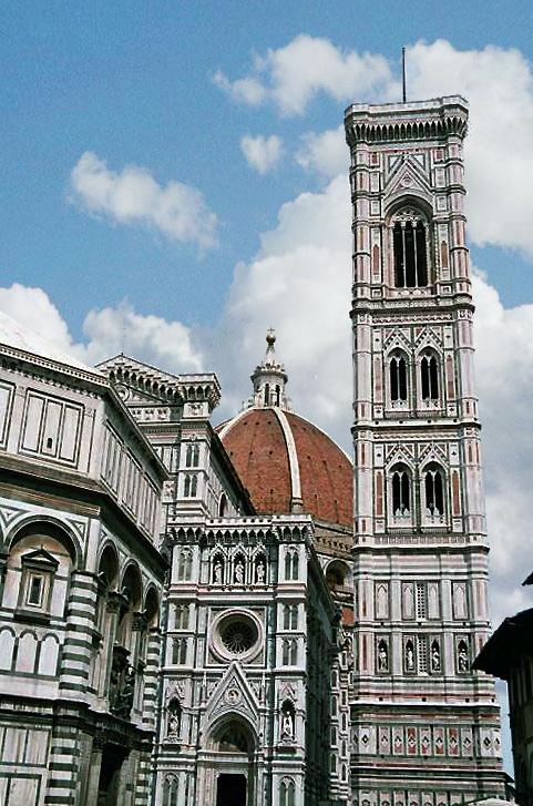 Florence: le «Duomo» santa Maria del Fiore. Le Baptistère à gauche, et le campanile, œuvre de Giotto