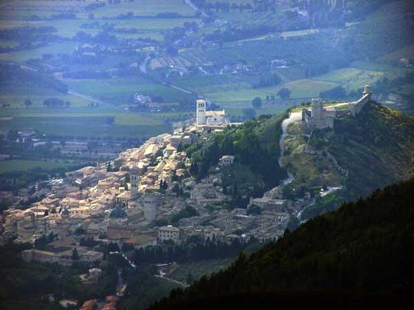 Vue générale d'Assise depuis le mont Subiaco