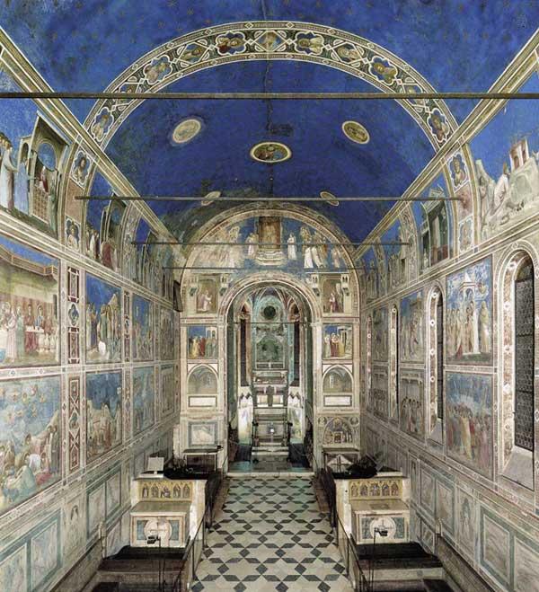 Giotto : Padoue: la chapelle Scrovegni ou Arena. 1303-1306. Vue depuis l'entrée