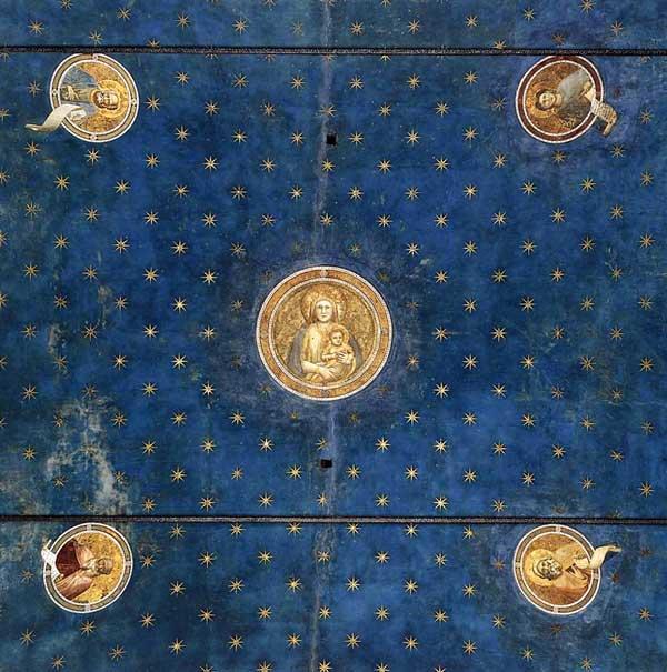 Giotto : Padoue: la chapelle Scrovegni ou Arena. 1303-1306. Vue des fresques de la voûte. Partie de la voûte située à l'ouest, du côté de l'entrée de la chapelle. La Vierge Marie portant l'enfant le Christ dans le médaillon central est entourée de quatre médaillons où figurent des prophètes