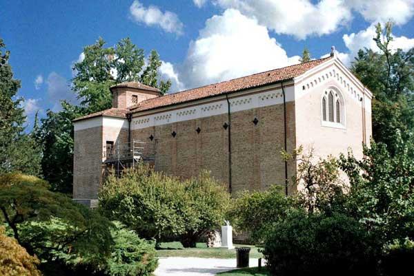Giotto : Vue extérieure de la chapelle Scrovegni ou de l'Arena à Padoue