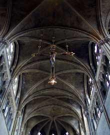 Tongres, la cathédrale Notre Dame. Nef centrale