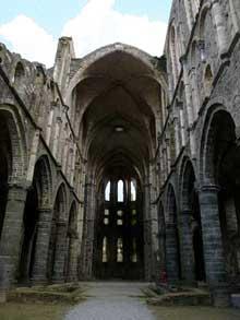 L'abbaye cistercienne de Villers: la nef