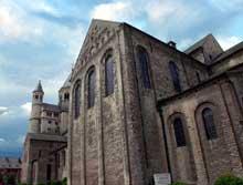 Nivelles: église sainte Gertrude consacrée en 1046. Le transept sud. Art ottonien