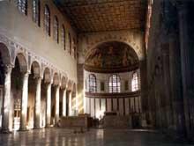 Rome: basilique sainte Sabine (422-432). L'intérieur