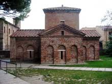 Ravenne: l'oratoire de l'église de la Sainte-Croix, dit Mausolée de Galla Placidia