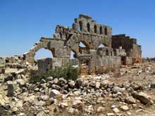 Syrie�: ruines de l��glise de Julianos � Brad, V�
