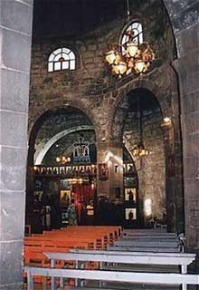 Syrie�: Ezra, �glise saint Georges. L�int�rieur