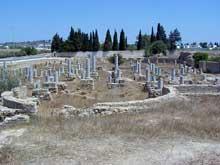 Carthage: basilique Damous el Karita vue de l'ouest