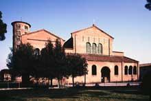 Ravenne: saint Apollinaire in Classe. Façade ouest