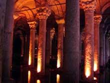 Constantinople: citerne de Yerebatan Sarayi ou Citerne Basilique