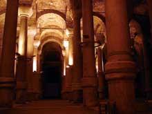 Constantinople: citerne de Bir Bin Direk ou «aux 1001 colonnes»
