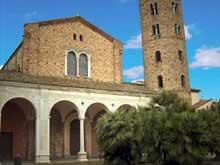 Ravenne: saint Apollinaire le Neuf. Façade et campanile