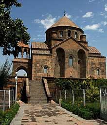 Echtmiadzin / Vagarchapat (Arménie): sainte Rispimé