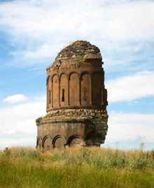 Ani (Arménie): l'église du Rédempteur, achevée en 1035