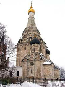 Ostrov: l'église de la Transfiguratio