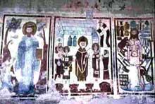 Abbaye Saint Jean des Sœurs de Müstair dans les Grisons. Vue générale. IX-Xè. Fresques avec martyrs et apôtres