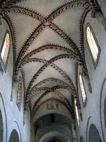 Romainmôtier: la nef centrale de l'abbatiale
