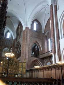Roskilde au Danemark, la cathédrale. La nef et le chœur