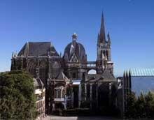 Aix la Chapelle: le Dôme et la chapelle palatine