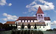 Eglise saint Georges d'Oberzell sur l'île de la Reichenau, lac de Constance. Vue générale.