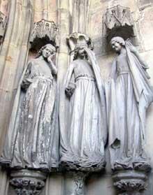 Magdebourg: le dôme. Les vierges folles. Détail du portail principal