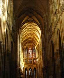 Prague: le dôme saint Vit. La nef
