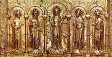 Antependium de la cathédrale de Bâle. Avant 1024. Bois recouvert de plaques d'or et de pierres précieuses. Paris, musée national du Moyen age, hôtel de Cluny
