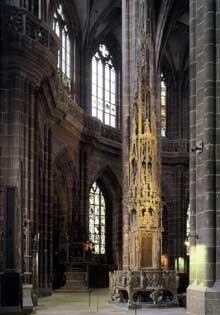 Adam Krafft (1460-1509): tabernacle. 1493-1496; grès partiellement peint. Eglise Saint Laurent de Nuremberg. (Histoire de l'art - Quattrocento