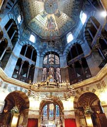 L'octogone d'Aix la Chapelle, chef d'œuvre de l'art Carolingie
