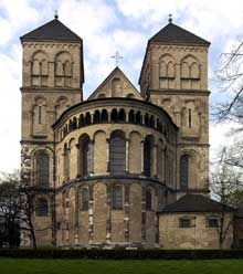 Cologne : l'église saint Kunibert. Le chevet