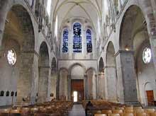 Cologne: l'église Gross Sankt Martin: la nef vue vers la façade occidentale