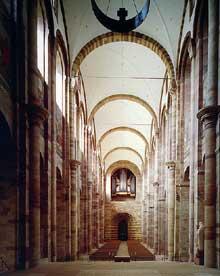 Spire: le «Kaiserdom»: la nef centrale vue vers l'entrée occidentale