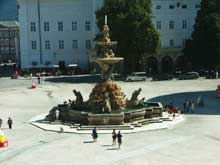 Antonio Dario: fontaine baroque de la place du Dôme de Salzbourg