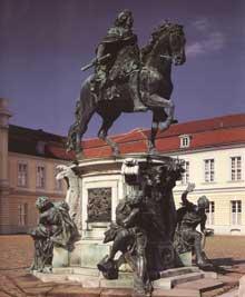 Statue équestre du prince électeur Frédéric Guillaume. Great. 1689-1703. Bronze, 290 cm. Berlin, Charlottenbourg