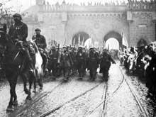 Novembre 1918: l'entrée des troupes françaises à Strasbourg par la porte de Schirmeck
