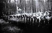 Tous les jeunes alsaciens sont enrôlés dans le RAD et doivent prêter serment au Führer.
