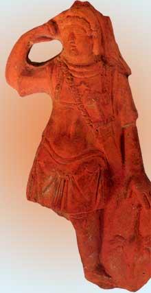 Figurine de légionnaire romain. Terre cuite retrouvée à Strasbourg. Musée archéologique de Strasbourg