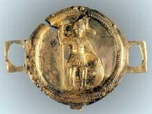 Pièce de décor d'un harnachement de parade représentant un légionnaire. Strasbourg, musée archéologique