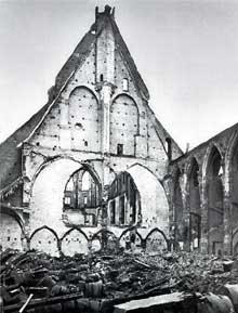Strasbourg: ce qui reste du Gymnase, ancien couvent des Dominicains ou «Prediger» après le terrible bombardement du 25 août 1870