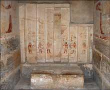 Le mastaba de Ptahhotep II, fils du vizir Akhtihotep (fin de la Ve dynastie) fut découvert en 1850 par Auguste Mariette dans la nécropole de Saqqara, à l'ouest de la Pyramide de Djoser. (Site Egypte antique)