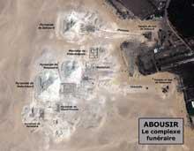 Abousir: vue satellitaire du complexe funéraire. (Site Egypte antique)