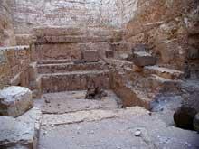 Abou Roash: Pyramide de Djedefrê: La chambre funéraire (Site Egypte antique)