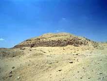 Zaouiet el-Aryan: la pyramide de Khaba (2640-2637) (Site Egypte antique)